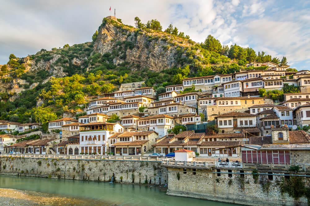 Berat UNESCO Mietwagenrundreise Albanien