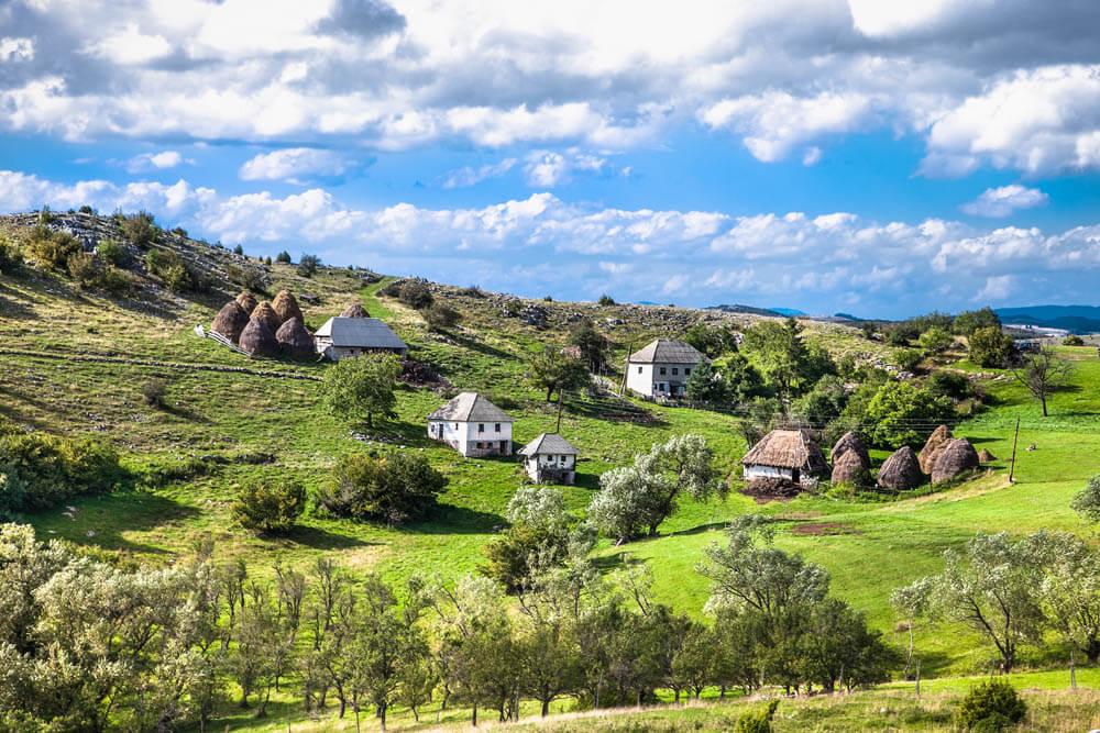 Serbien Landschaft Mietwagenrundreise Balkan
